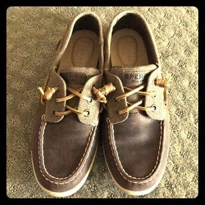 Brown Sperry boat shoes size 8M